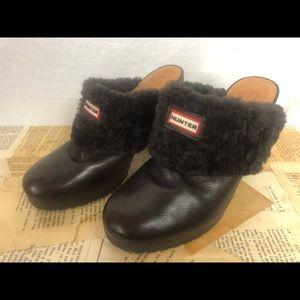 Hunter brown fur clogs